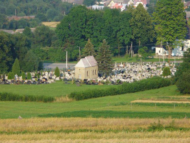 Cmentarz parafialny - kliknij żeby powiększyć