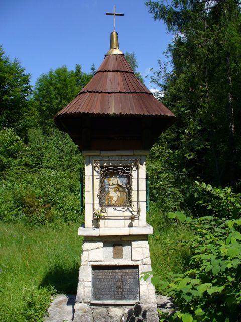 Kapliczka Matki Boskiej Akowskiej - kliknij żeby powiększyć