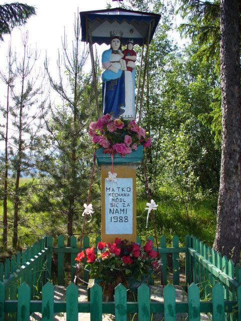Kapliczka Matki Boskiej - kliknij żeby powiększyć