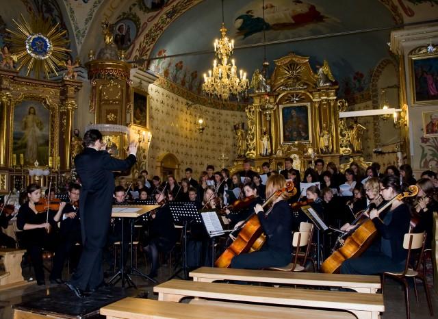 Koncert symfoniczny - kliknij żeby powiększyć