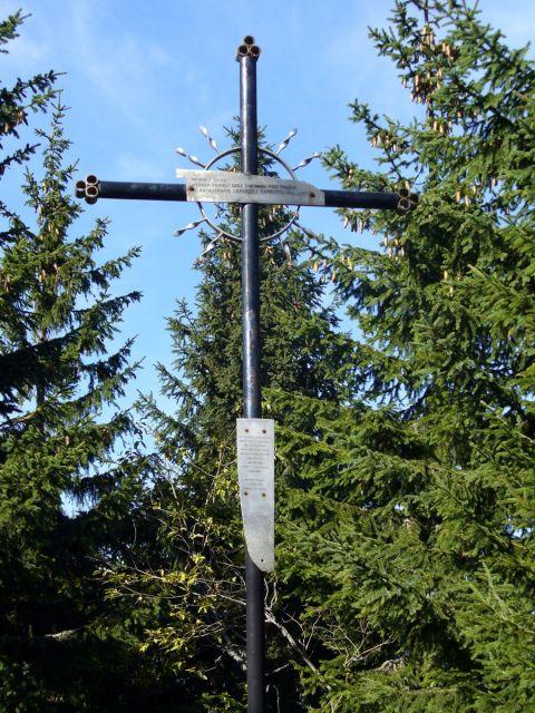 Krzyż na Policy - kliknij żeby powiększyć